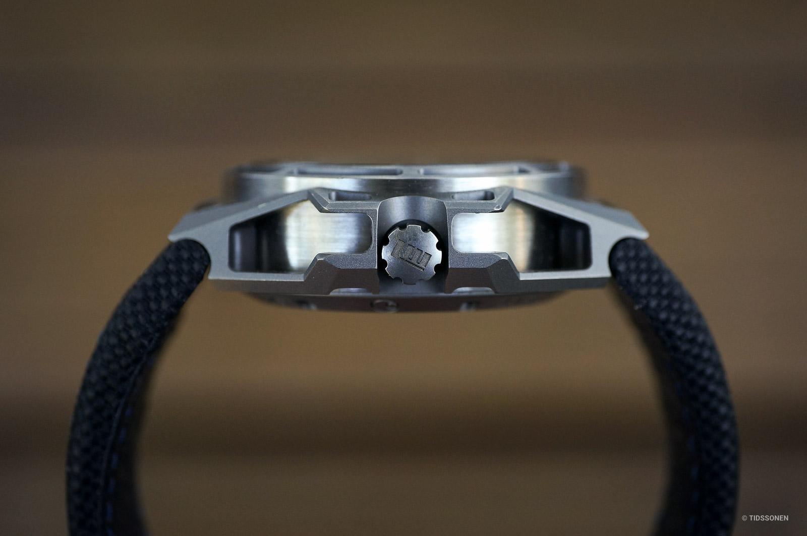 linde-werdelin-spidolite-titanium-blue-11